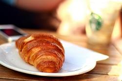 croissant-410322_640-mini